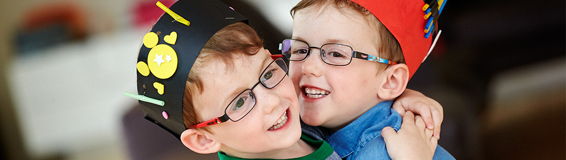Barn med briller
